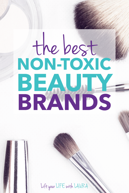 Best clean beauty makeup ideas for a non toxic beauty swaps.  Great list of natural makeup brands that work.