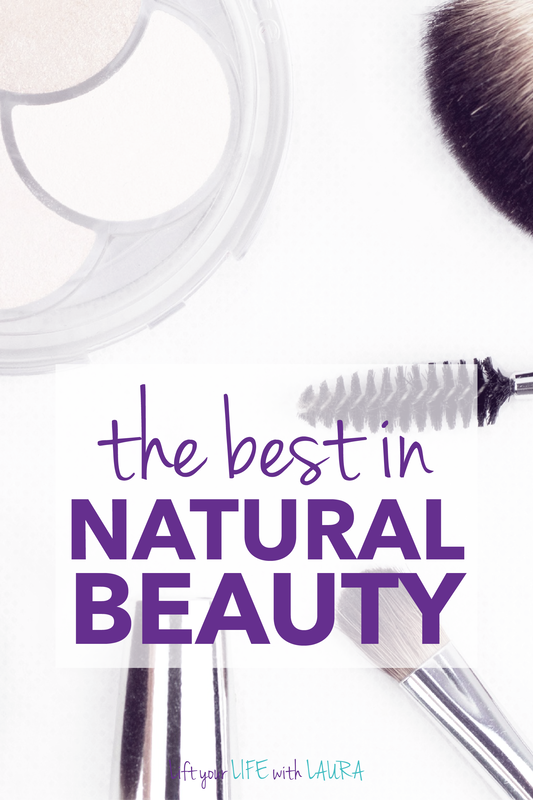 Best natural makeup brands products for clean beauty makeup.